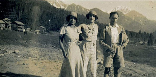 Nellie, Mabel & Dr. Bharat Chandra Ghosh. Kashmir. 1928